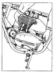Rys S-2 Wyjmowanie silnika z ramy