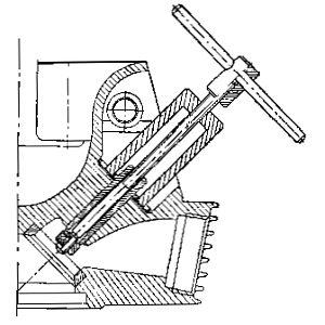 Rys S-24 Wyciąganie prowadnic zaworowych